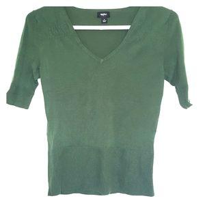 Half sleeve v-neck sweater